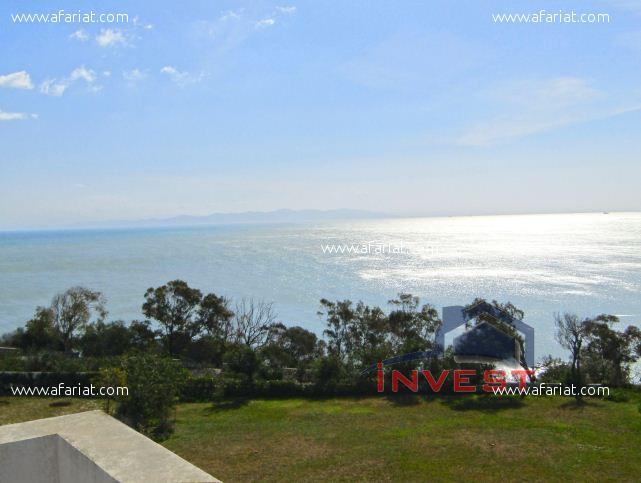 Grande  villa avec  piscine vue panoramique sur mer
