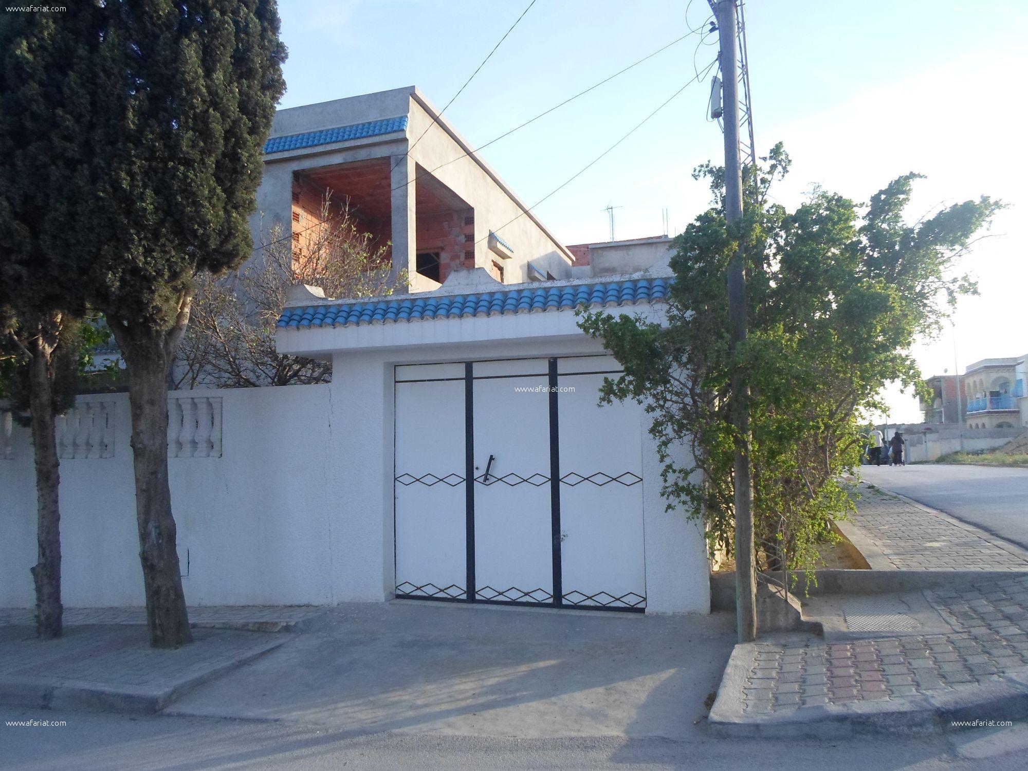 Villa avec deux studios a coté