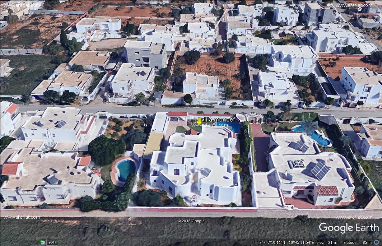 Villas avec piscine de1350m2 à Sfax Route Teniour 5